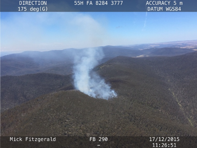 An aerial view of the bushfire burning at Mt Clear near the ACT / NSW border.